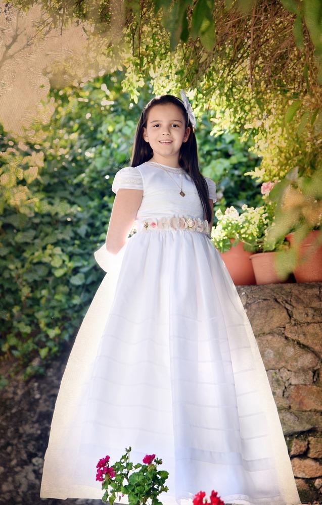 niña vestido blanco comuniones