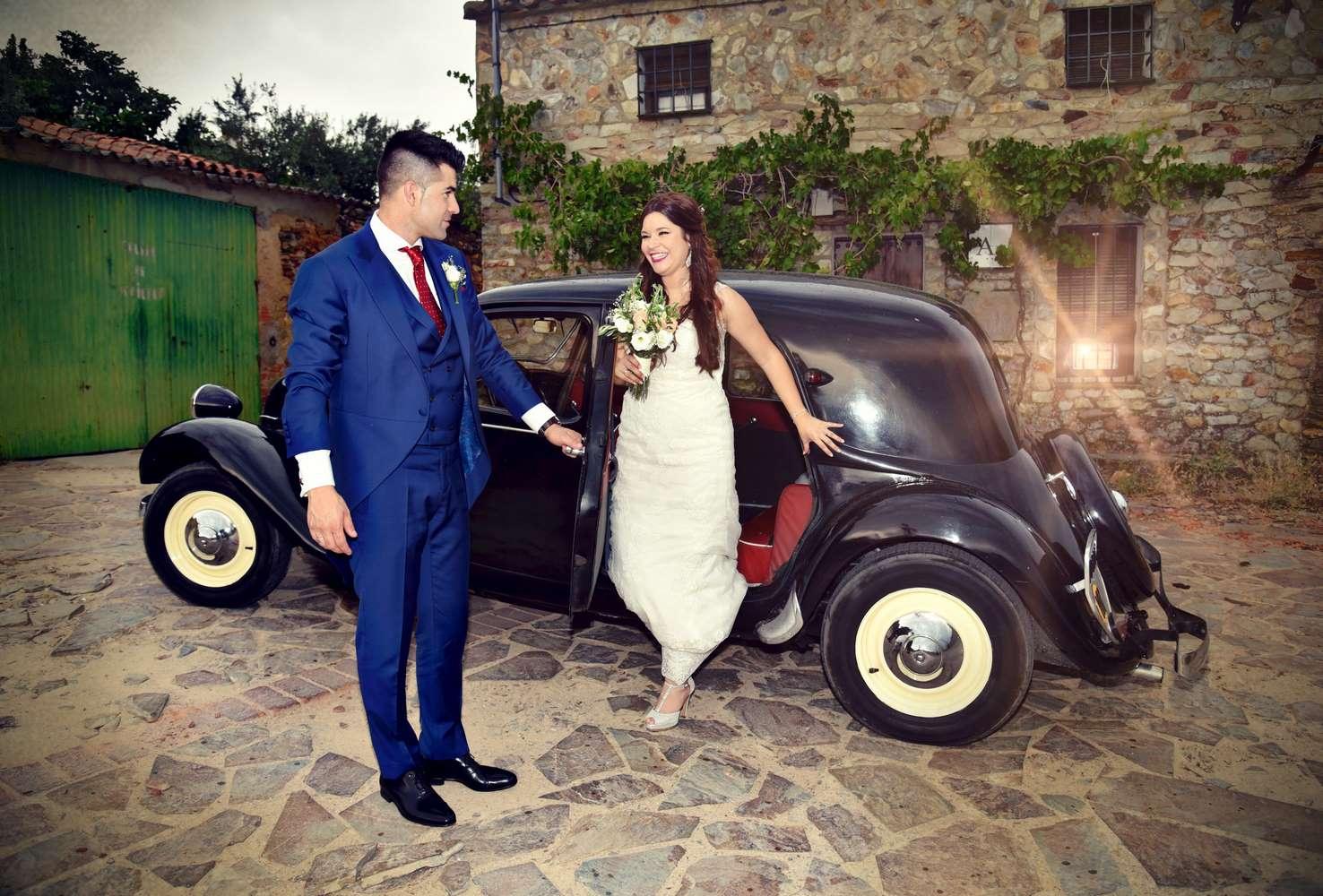 recuerdos Novio le abre la puerta a la novia
